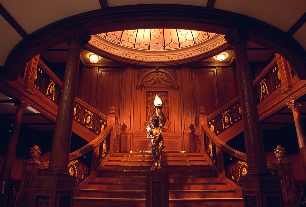 Titanic Exhibit Luxor Design Room