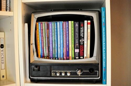birdcagedesignuse-old-tv-as-dvd-storage-box-1-500x331