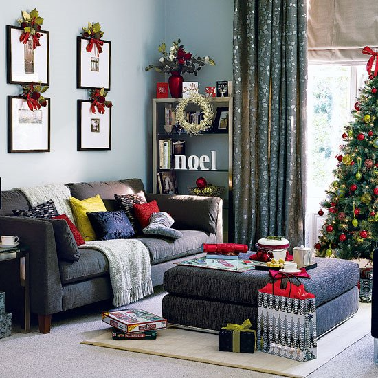 FurnituretrendzonaLiving Room With Christmas Interior Decoration