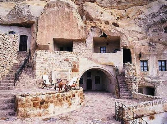 greenprophetunderground-cave-homes-9