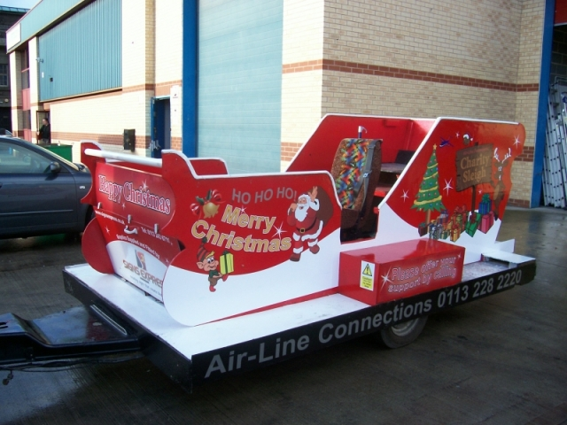 signexpress51-477-promotion-christmas-vehicle-graphics.full