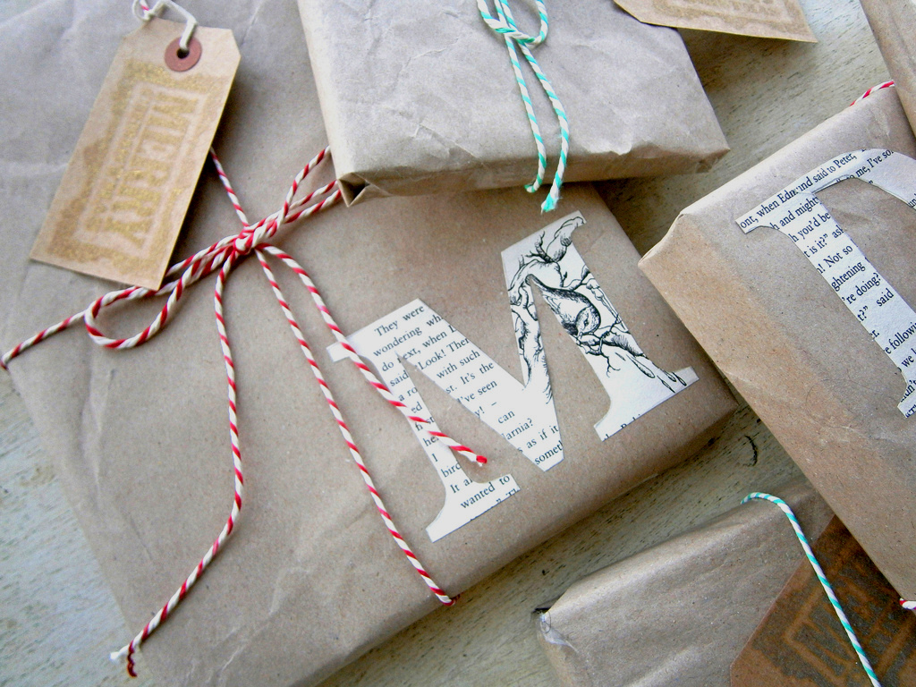 Traditional Christmas Wrapping Presents Never Looked So