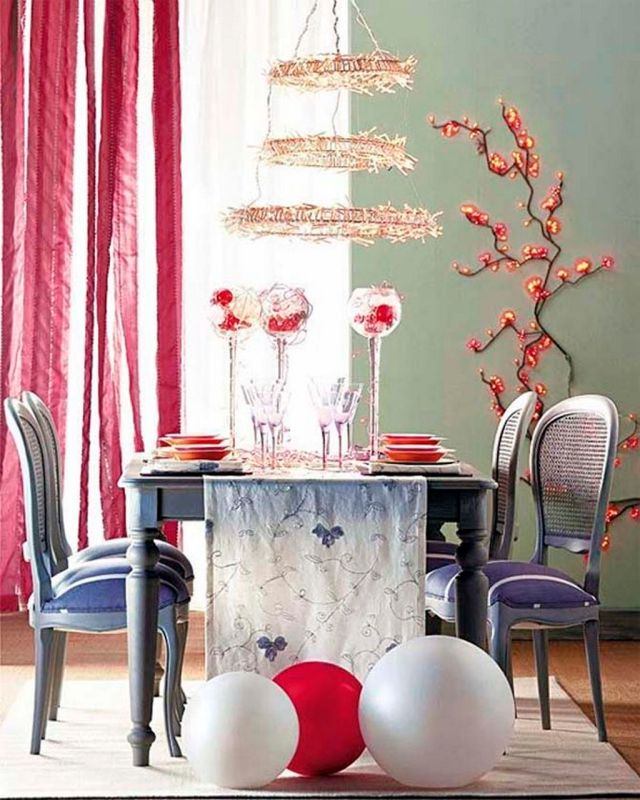 themaisonetteChristmas-dining-room-design-ideas-listed-in-small-dining-room-decor