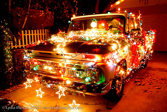 truck_Christmas-Art_Car