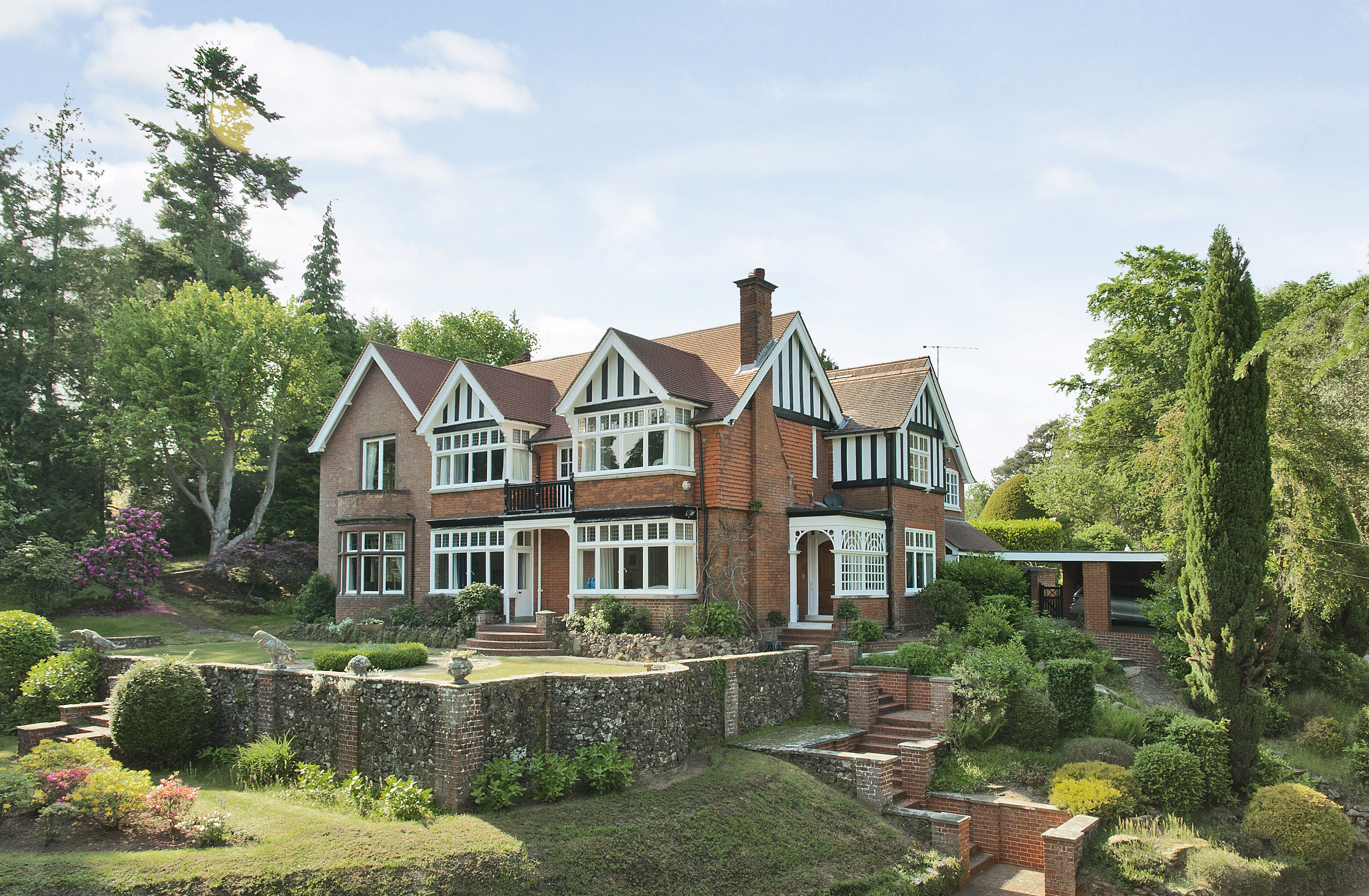 Imposing Edwardian House With Magnificent Landscaped