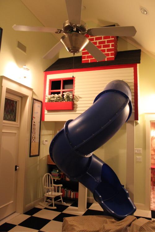 livinglocurtoslide-play-room