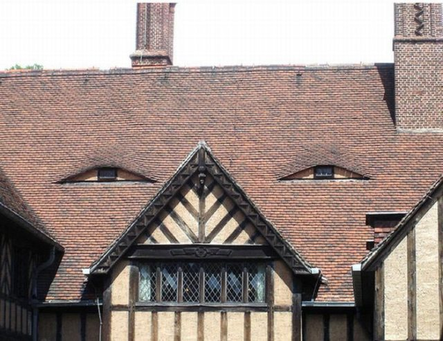 twistedbuildings-with-unintentionally-funny-faces-3