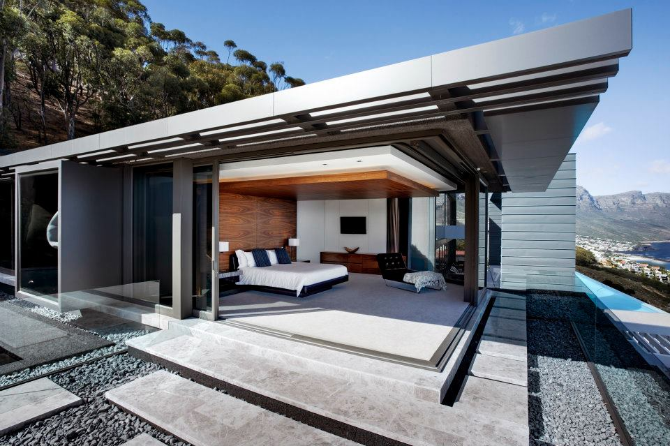 The beauty of a bi fold bringing the inside out trying for Amazing houses inside and out