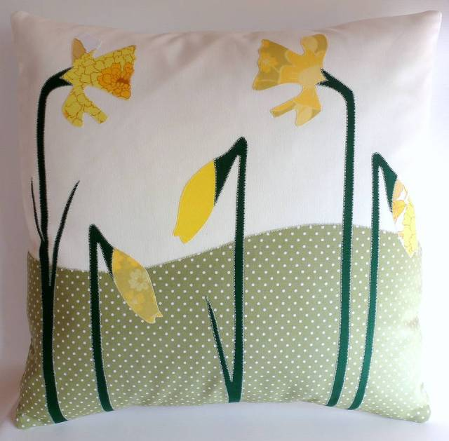 notonthehighstreetoriginal_daffodil-cushion